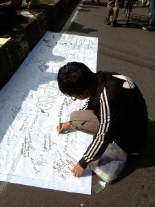 Krisna Menandatangani Deklarasi Anti Nyontek 2013